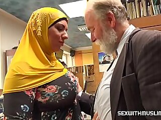 muslim bitch fucked roughly horny seller