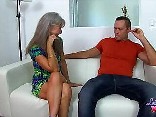 Mature Slut Seduces New Neighbor (5) PREVIEW
